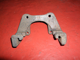 BMW E46 330d rear brake carrier clean