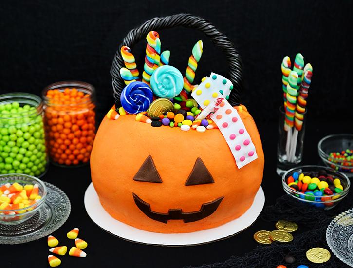 Jack O Lantern Pail Cake