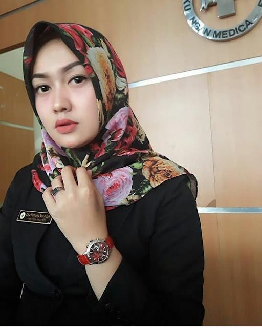 Beautiful and elegant Hijab model