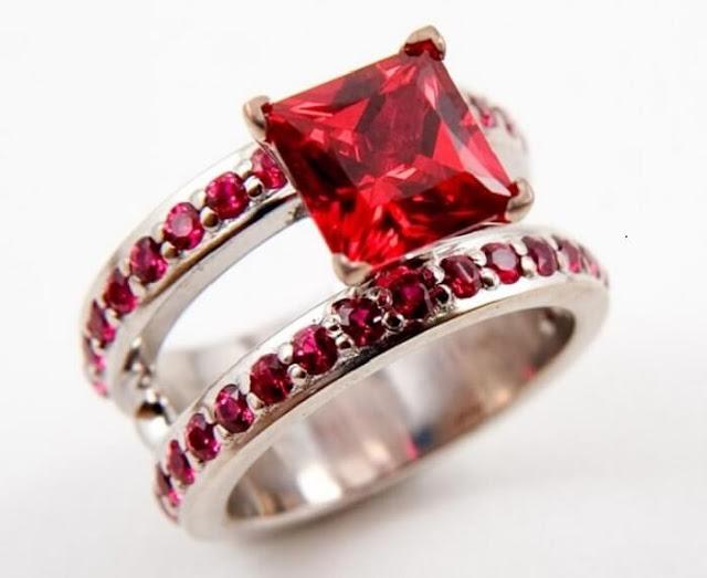 Nhẫn đá Ruby