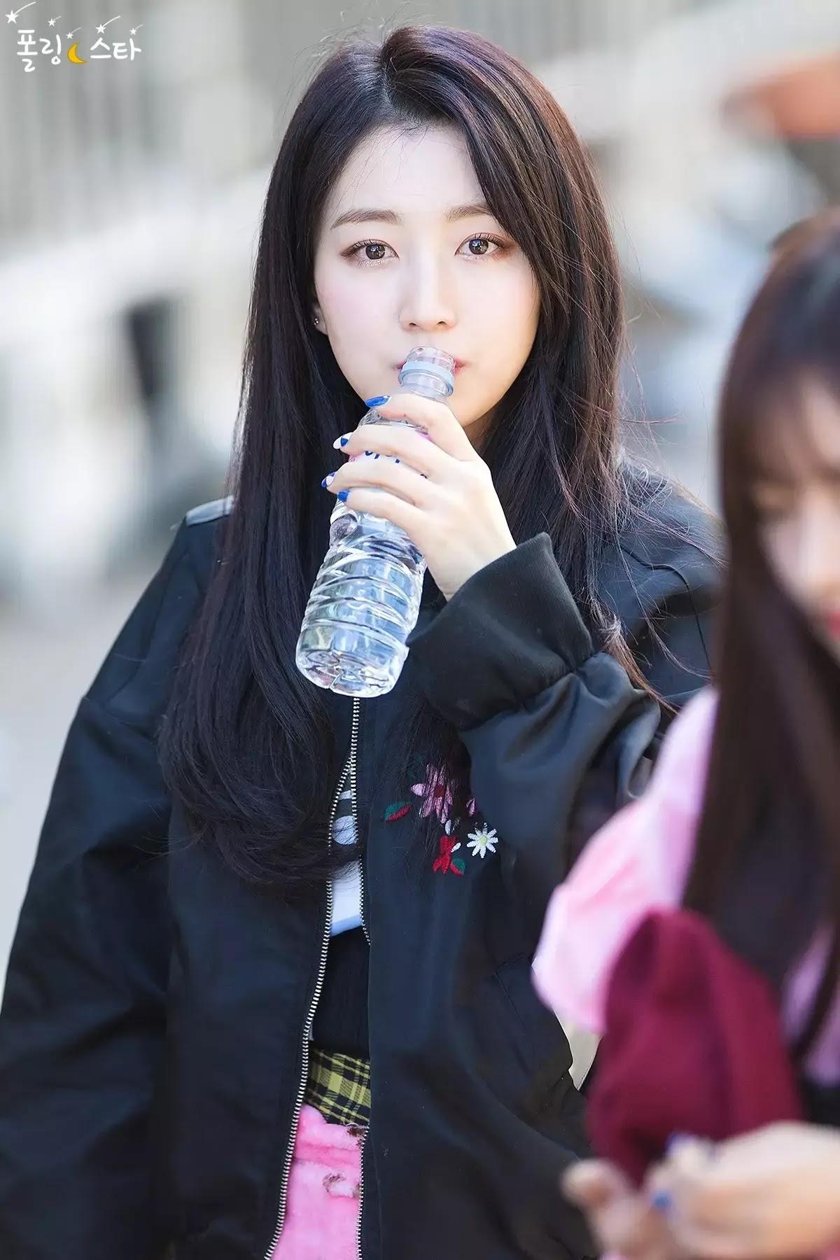 170310 gugudan - KBS 'Music Bank' Commute - 157p