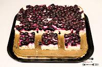 ciasta i desery, ciasta na Boże Narodzenie, sernik, sernik z owocami, sernik z jagodami, kruche ciasto, kruchy spód,