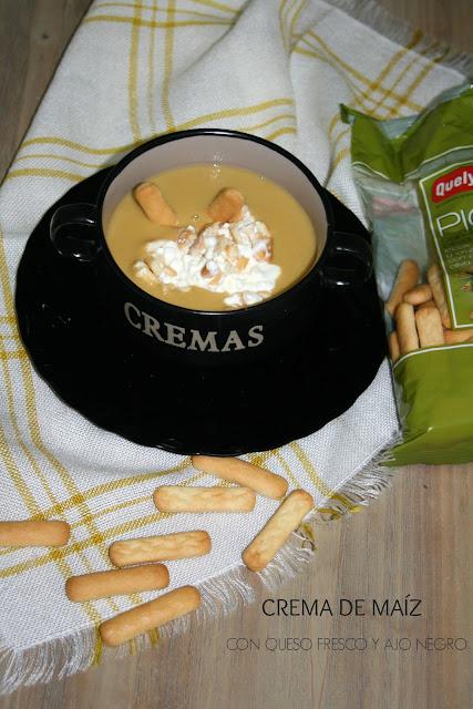 crema de maíz,queso fresco, picos de pan
