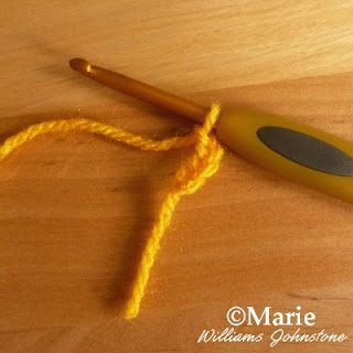 Starting a crocheted chain on a hook