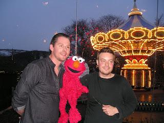 Vens vi venter Rasmus Seebach og Elmo synger Engel