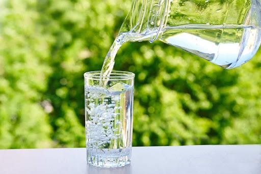 Perbanyak Minum Air Putih atau Cairan Isotonik