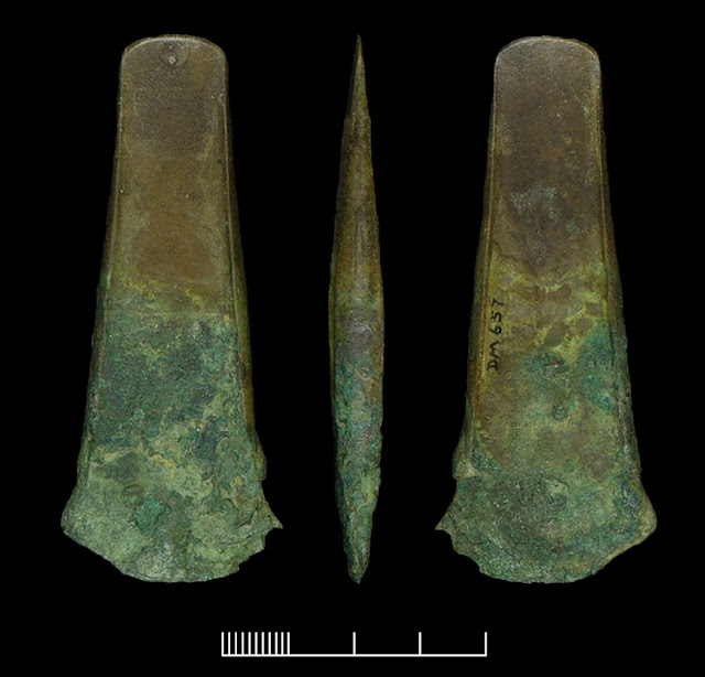 Radiocarbon dating and CT scans reveal Bronze Age tradition of keeping human remains