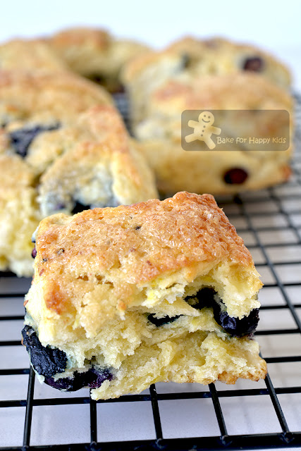 cafe-style blueberry cream scones