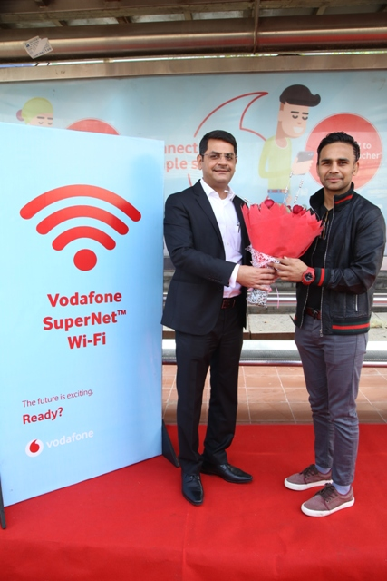 VODAFONE INTRODUCES NOIDA'S FIRST FREE WI-FI ENABLED BUS SHELTER