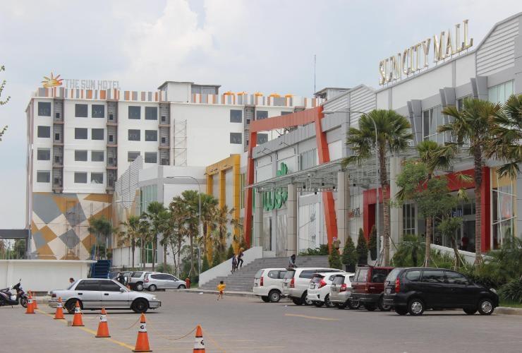 The Sun Hotel Modern, Mewah, dan Strategis di Kota Madiun, Jawa Timur