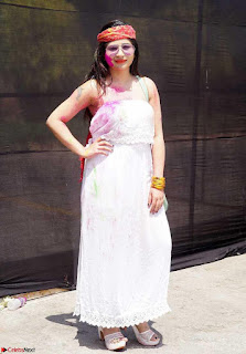 Madhulagna Das Playing Holi Celebrations in white Tank Top 11.jpg