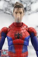 MAFEX Spider-Man (Peter B Parker) 12