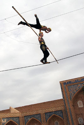 uzbekistan cultural tours, khiva acrobats