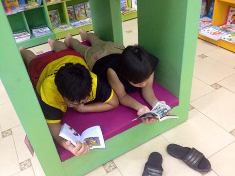 Khuyến khích học sinh đọc sách