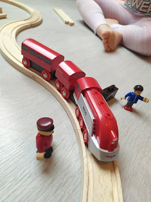 trains brio