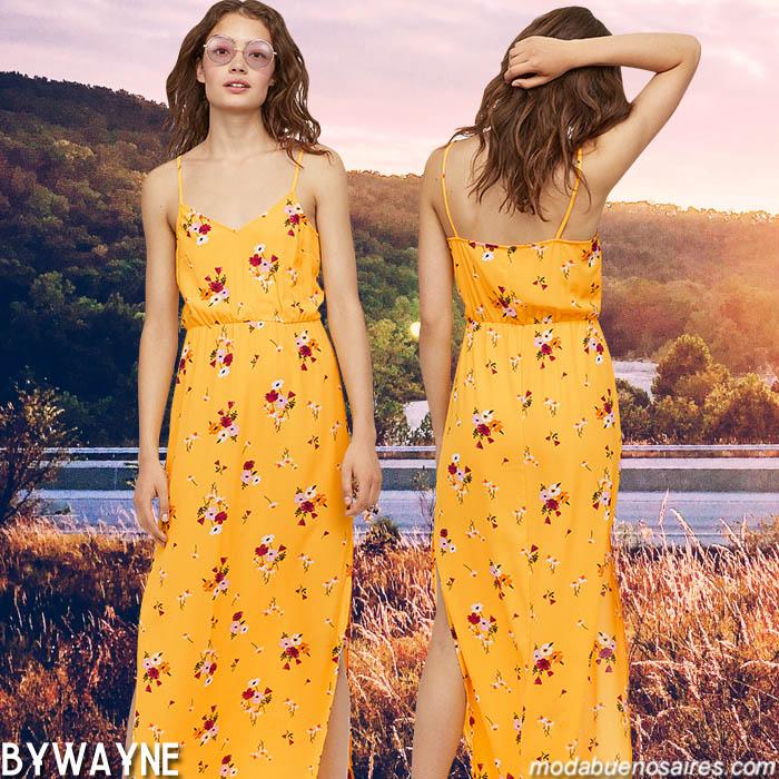 Vestidos primavera verano 2020. Moda vestidos estampados con flores primavera verano 2020.