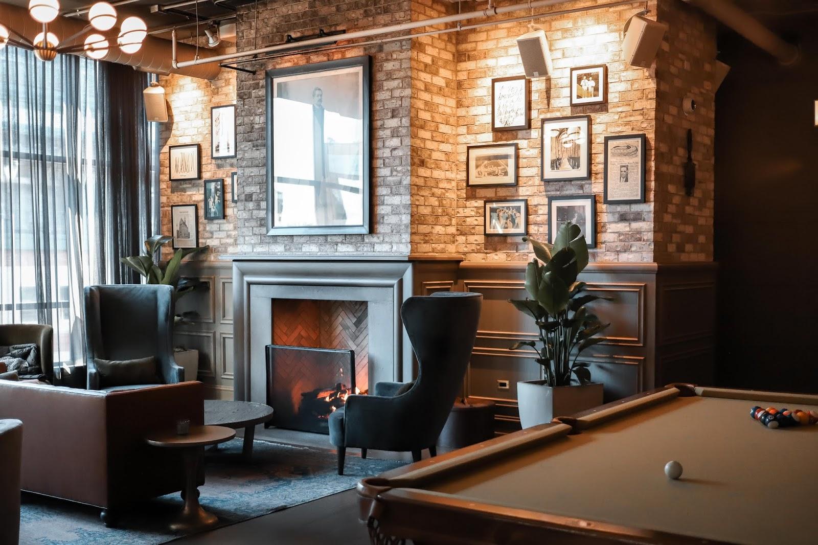 Hotel Zachary Fireplace