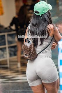 mujeres nalgonas ropa ajustada