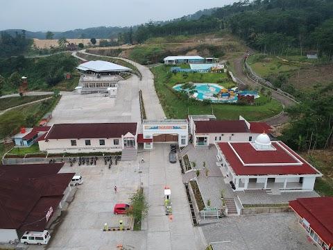 Omahe Opa Taman Donorojo, Destinasi Wisata Unik  di Kabupaten Kendal