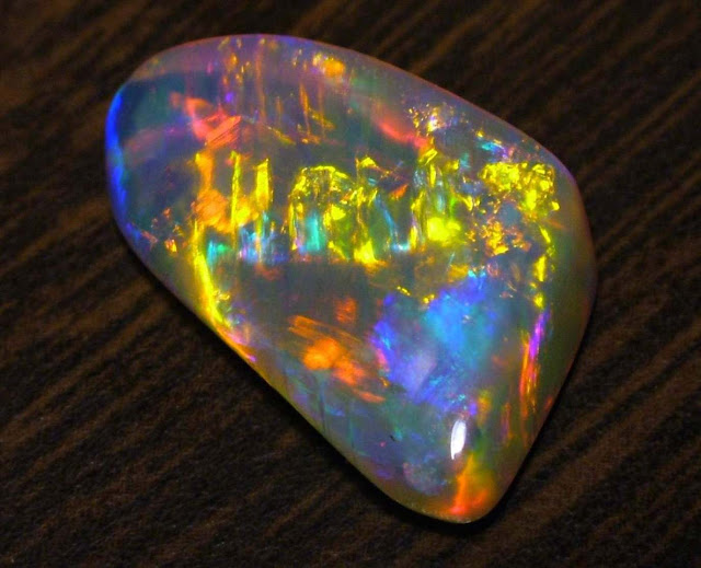 Types of Iridescent Gemstones & Minerals