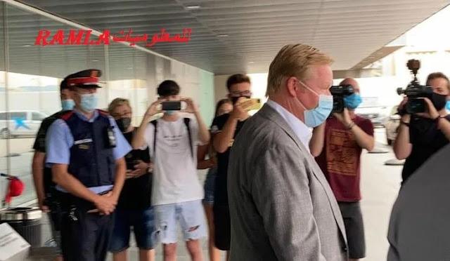 """مدرب برشلونة الجديد """" رونالد كومان """",صور كومان مدرب برشلونة في مطار برشلونة"""