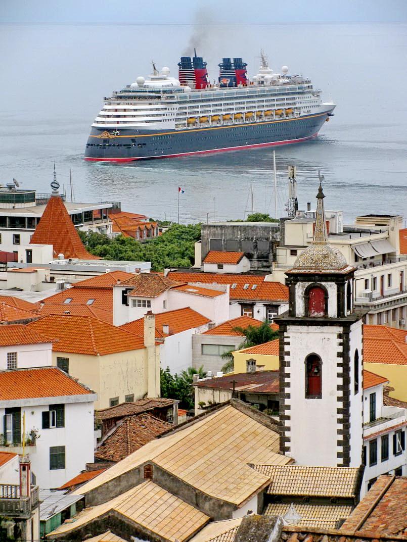 Disney Magic leaves port