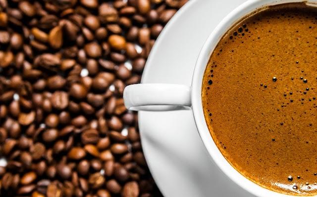 14 de abril, Dia do Café: herói ou vilão da alimentação?
