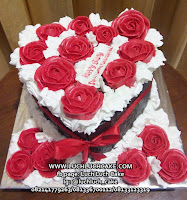 Blackforest Cake Love Mawar Romantis