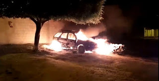 Vereador tem carro incendiado na porta de casa