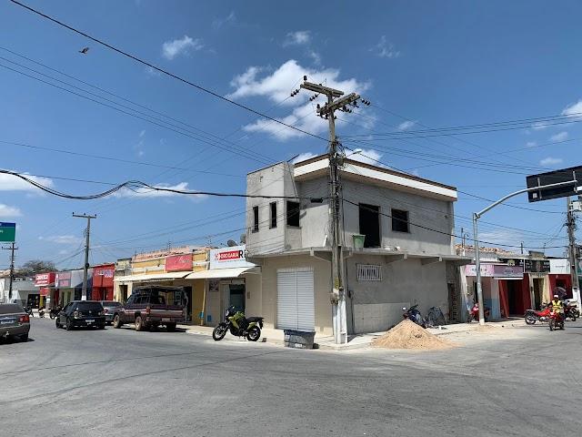Ponto comercial com ótima localização disponível para aluguel no centro de Chaval