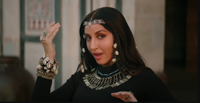 Nora Fatehi shared highly contrasting pictures from her new music video Chhor Denge