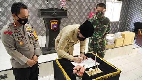 tandatangani Pakta integritas