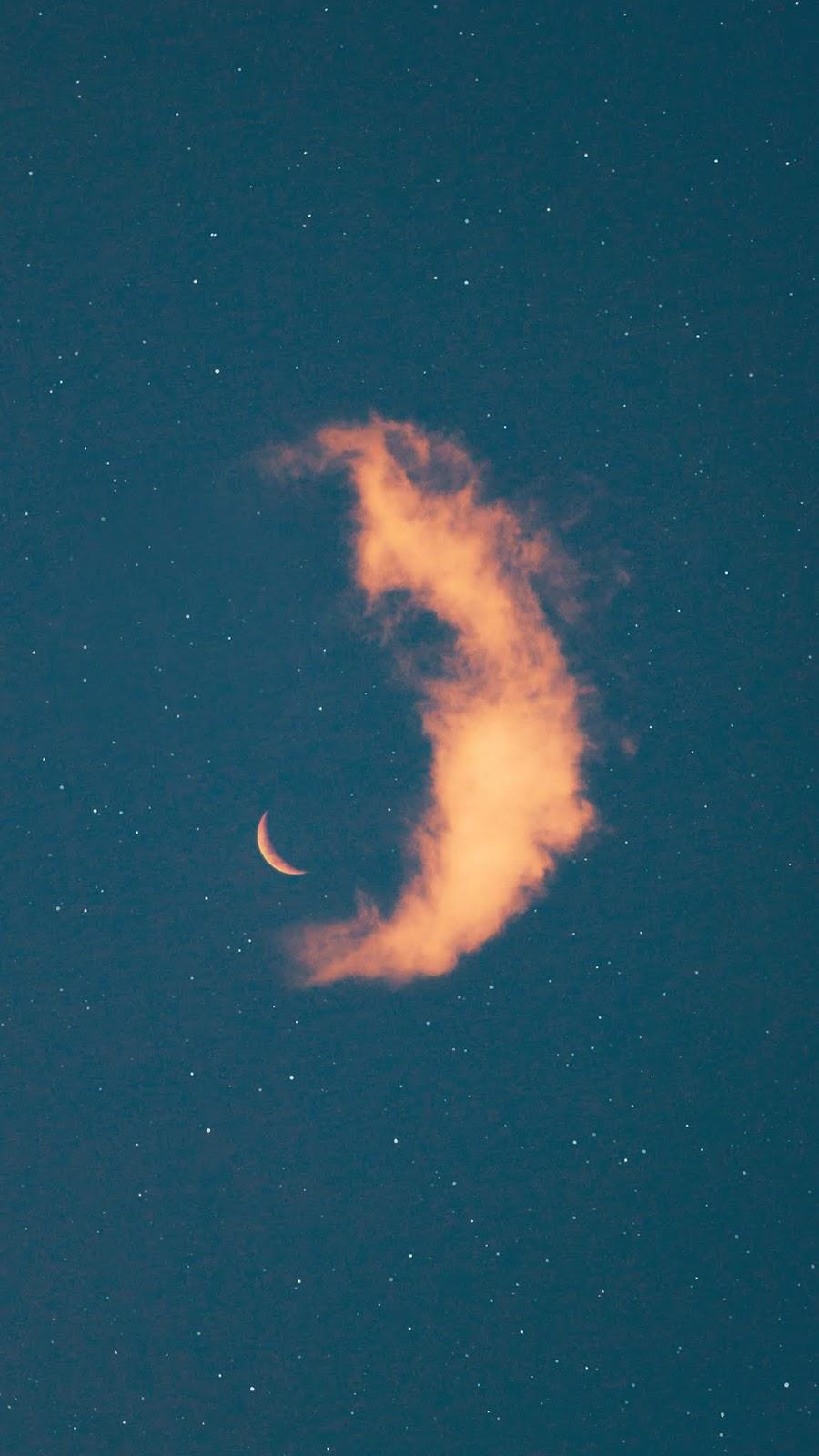 Vầng trăng khuyết trên bầu trời sao