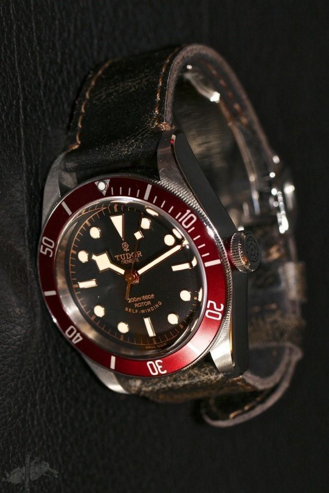 luxury vs affordable watches tudor heritage bay red vs kahuna 50m diver red. Black Bedroom Furniture Sets. Home Design Ideas