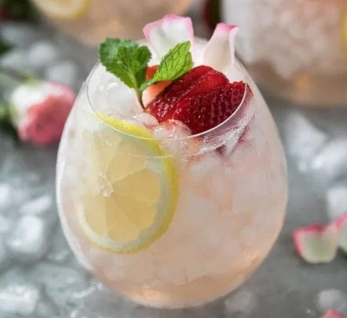 ROSÉ LEMONADE ELDERFLOWER SANGRIA #drinks #summerdrink