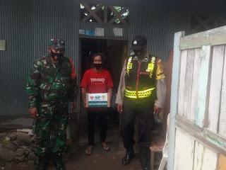 Polres Pelabuhan Salurkan Paket Sembako dari TNI-Polri bersama Yayasan Buddha Tzu Chi Indonesia