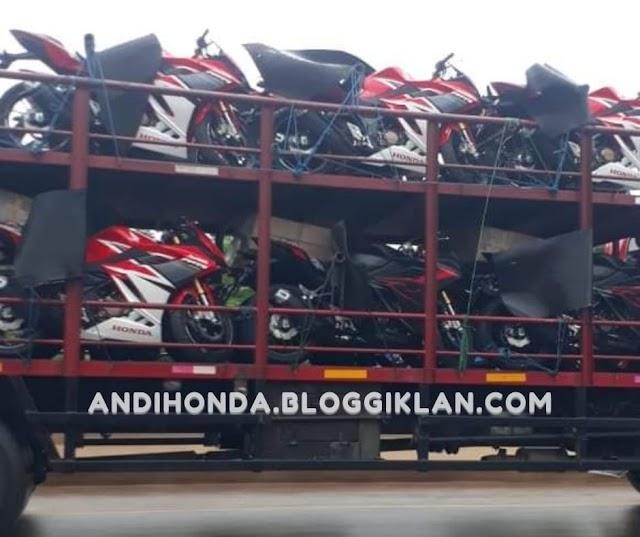 [Breaking News] Woowww Honda new CBR150R Mulai Mendarat Di Dealer !!!