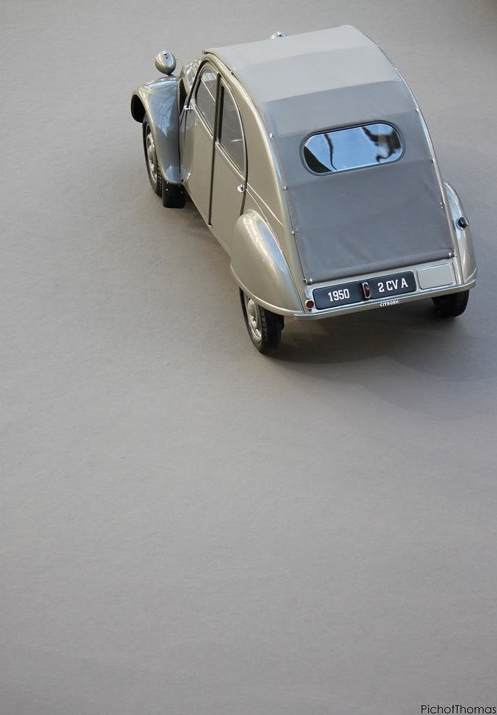 Citroën 2CV type A (1950) by Thomas Pichot