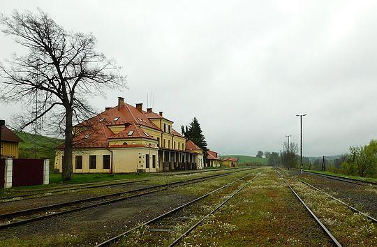 """Stacja """"Łupków""""."""