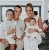 El futbolista Andrés Guardado bautiza a su hija Catalina en Sevilla