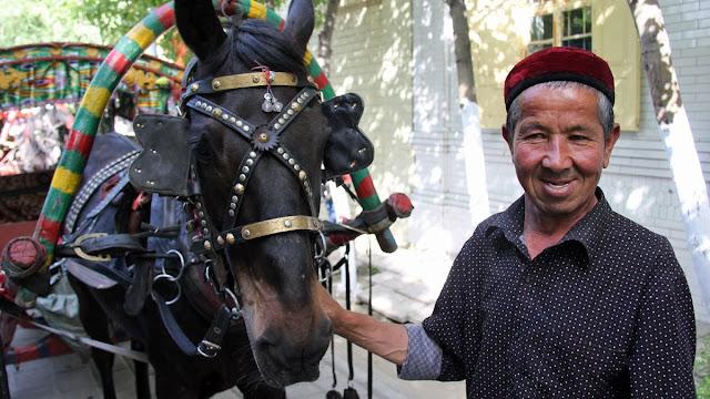 Demi Bantu China Hadapi Corona, Muslim Uyghur Rela Jual 11 Ekor Kuda