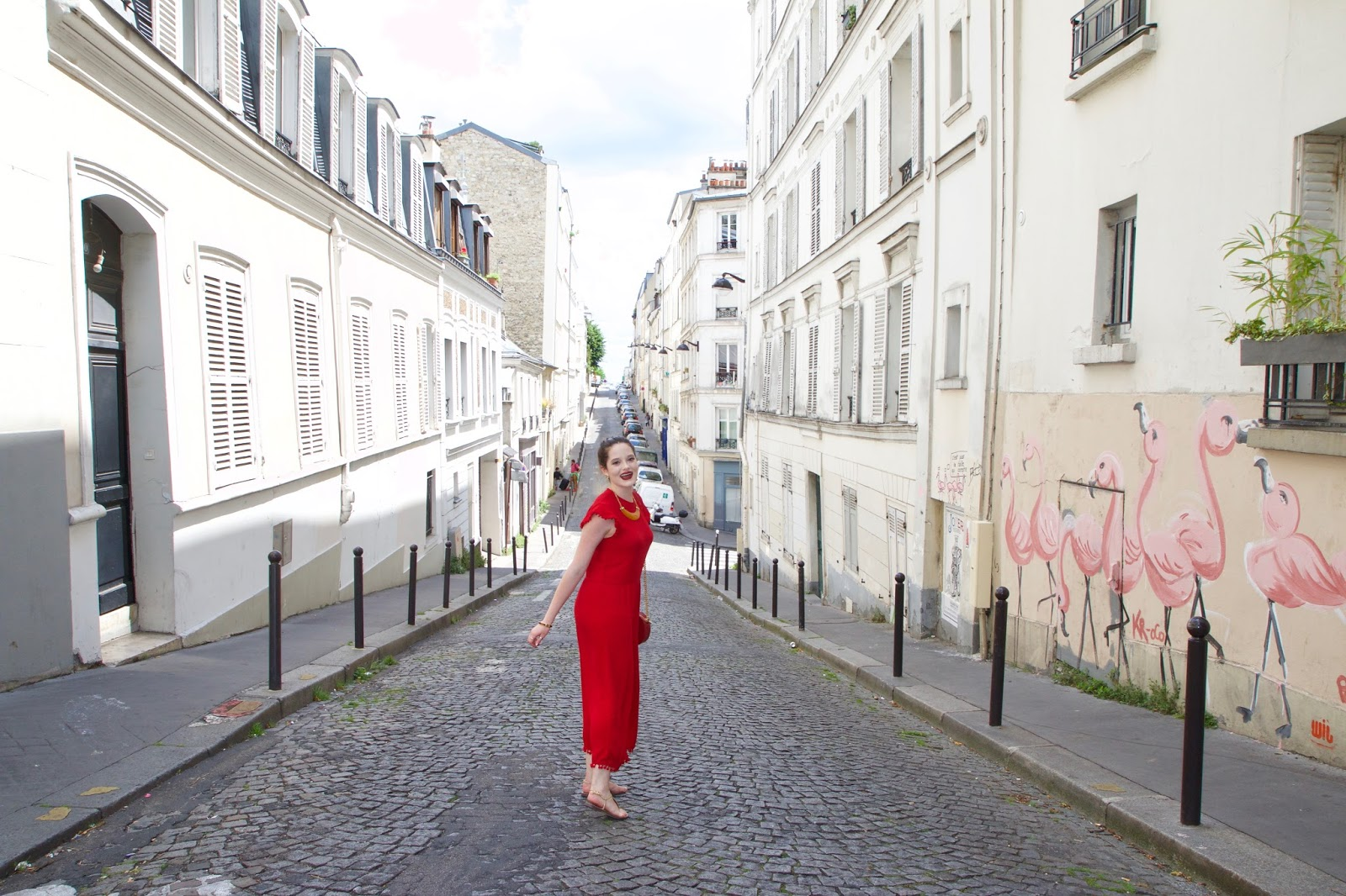 Fashion blogger Kathleen Harper's summer fashion in Paris France