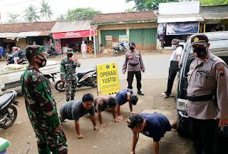 Guna Menegakkan Protokol Kesehatan, TNI-Polri Bersinergi Laksanakan Patroli Yustisi diPasar