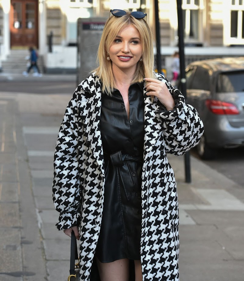Amy Hart  Out for Lunch in London 25 Apr-2021