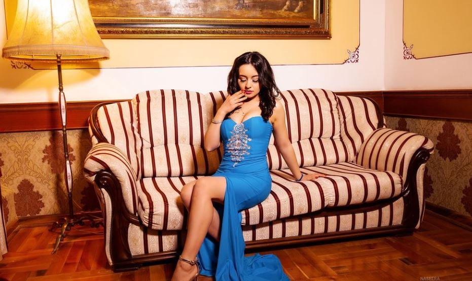 NaseeraWhite Model GlamourCams