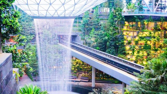 5 Bandara Terunik Dan Termewah Sejagat Raya