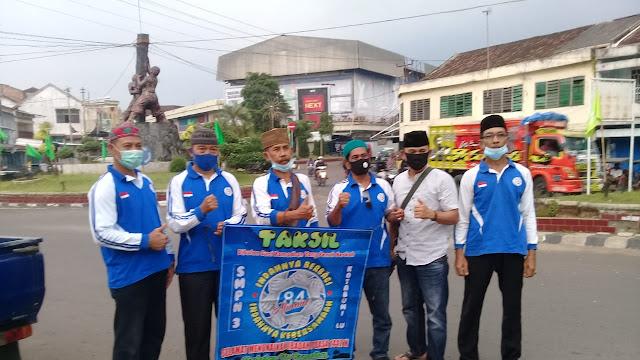 Alumni SMPN 3 Kotabumi Tahun 1984  Bagikan Takjil Di Bulan Romadhan