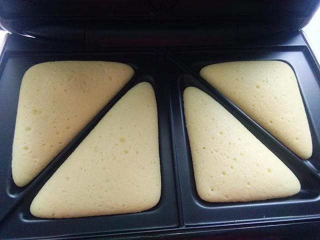 Resepi Bahulu Mudah Dibuat. Hanya Menggunakan Sandwich Maker je. Tetapi Sedap