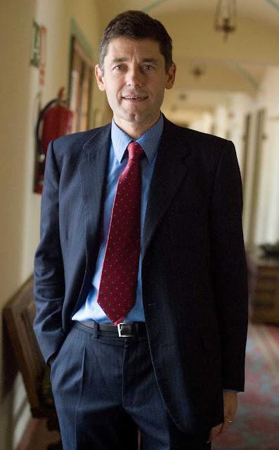 Dr. José María Eiros Bouza