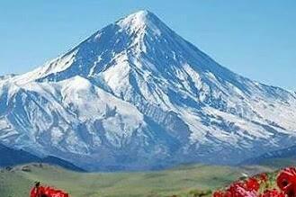 Daftar Gunung Tertinggi dan Terbesar di Benua Asia